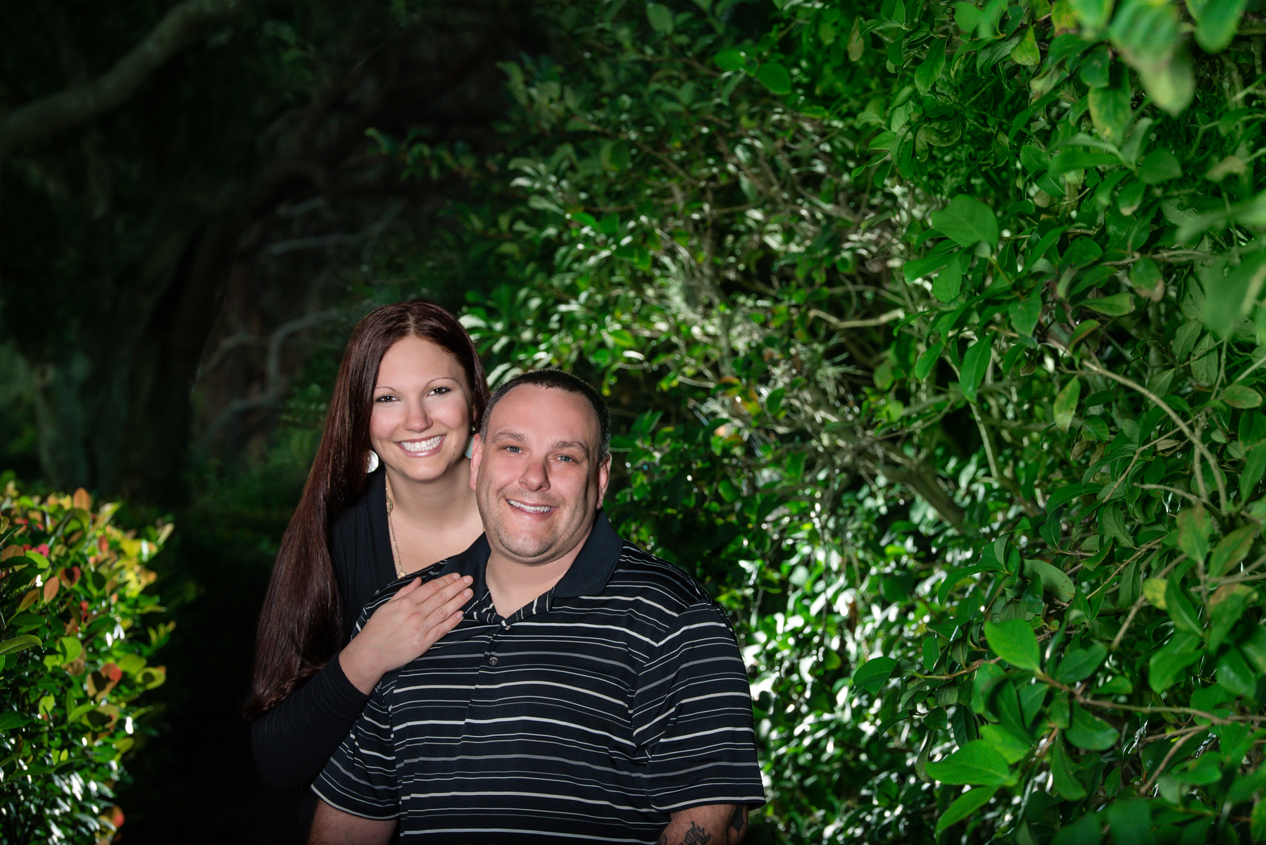Call 561-307-9875 to schedule your family photo session.